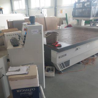 Linia technologiczna do produkcji wyrobów z pianek polietylenowaych w firmie Esfom.